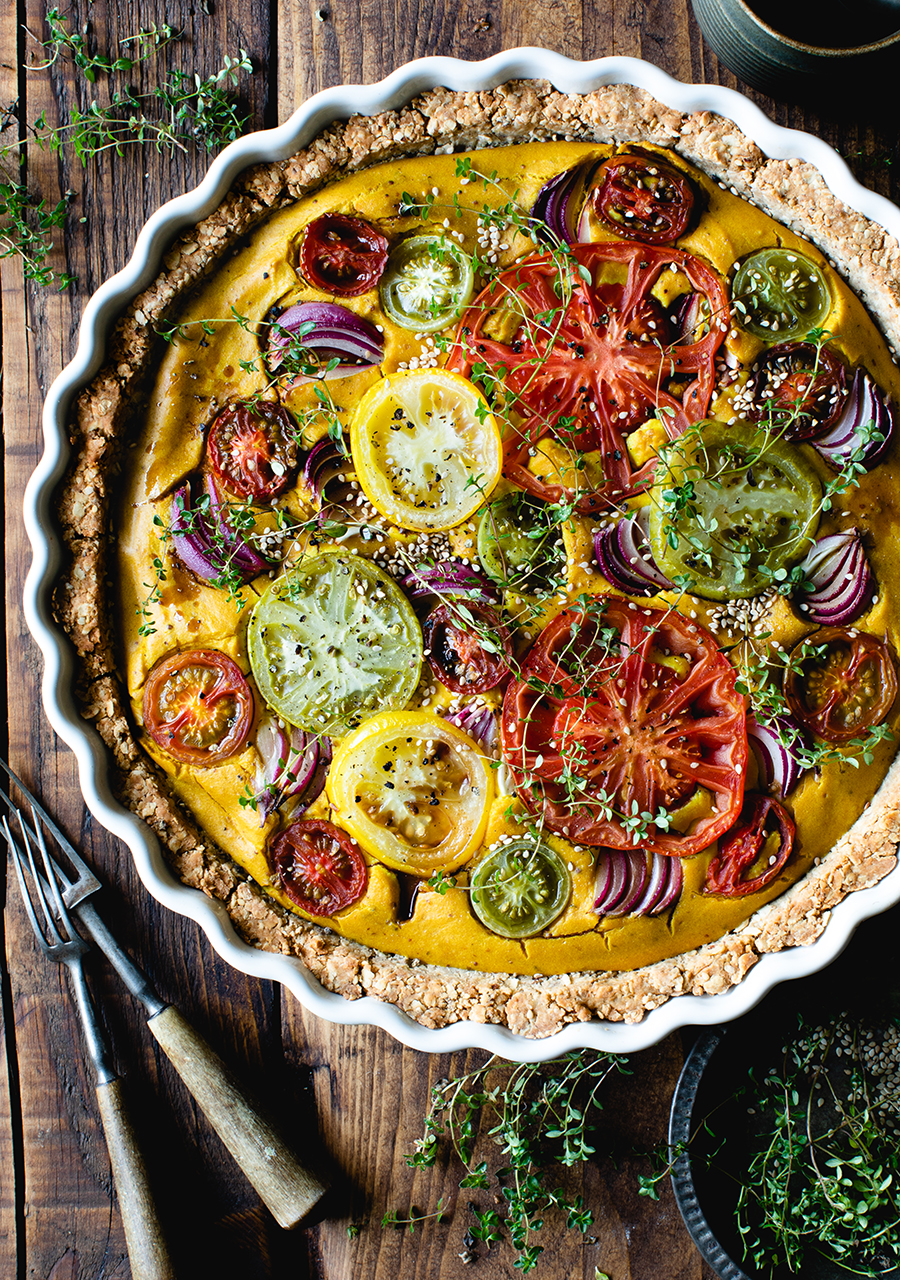 TURMERIC-THYME-TOMATO-WITH-RED-ONION-VEGAN-QUICHE
