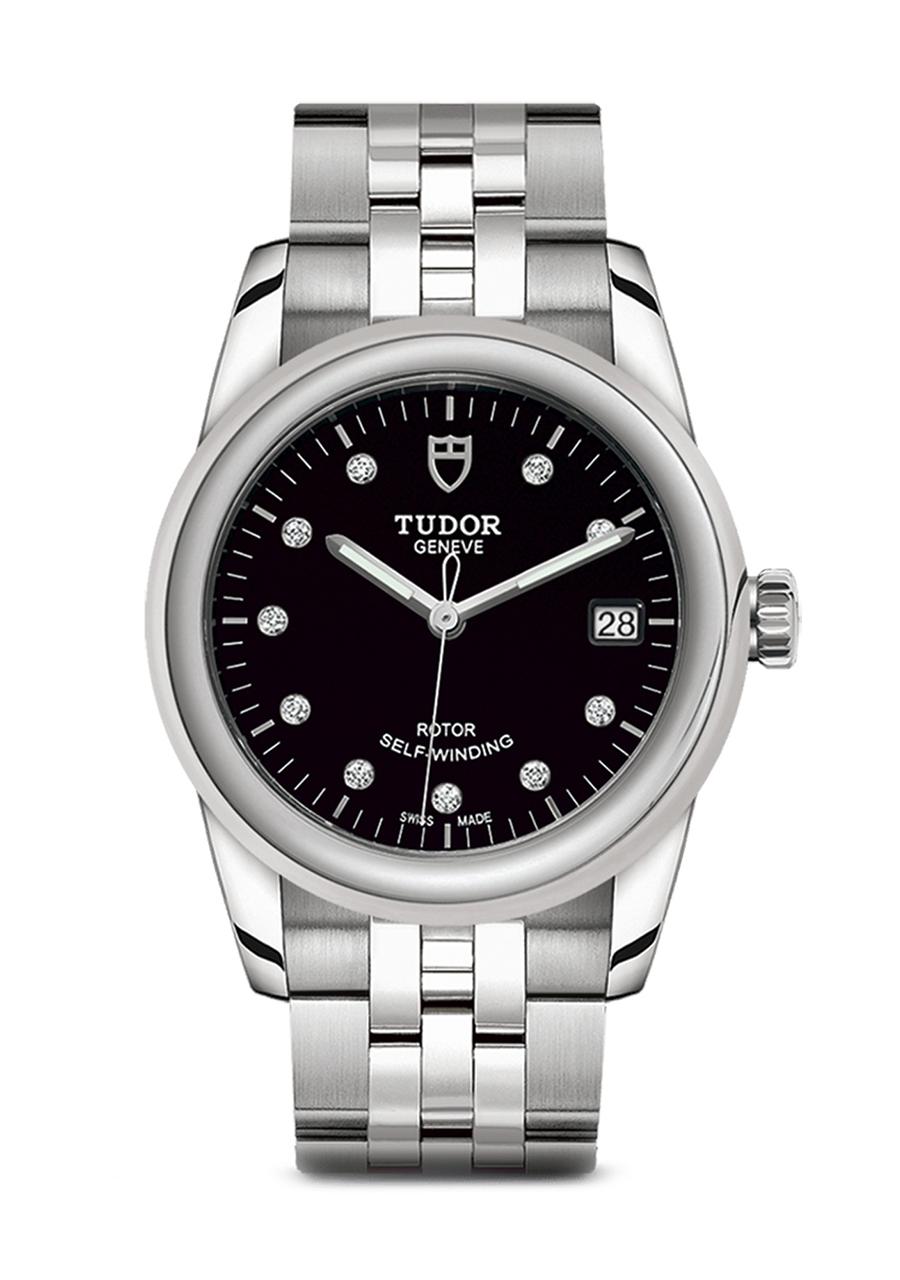Tudor-glamour-date